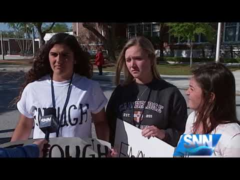 SNN: Suncoast students walk out, stand with Stoneman Douglas