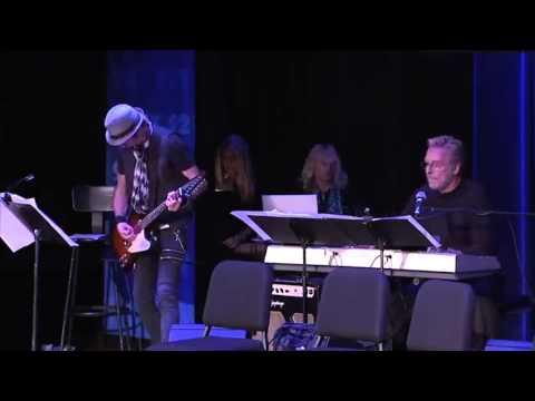 Edd Kalehoff playing Double Dare theme live