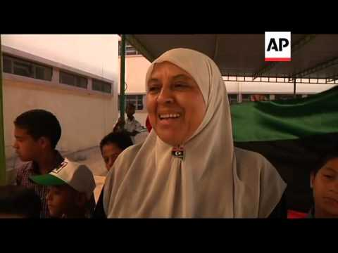 Schools re-open in Tripoli after months of violence and unrest