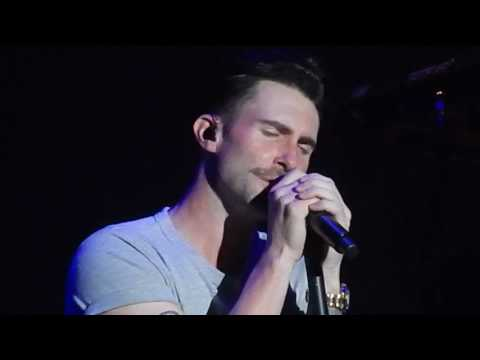 Maroon 5 - Won't Go Home Without You (Live 2013)
