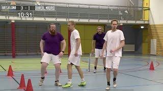 Drikker avføringsmiddel på full mage – så spiller de fotball