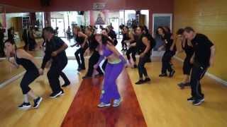 LA DANZA DE SOL EN MAYA ROOM DANCE STUDIO (LA NOCHE ESTA DE FIESTA)