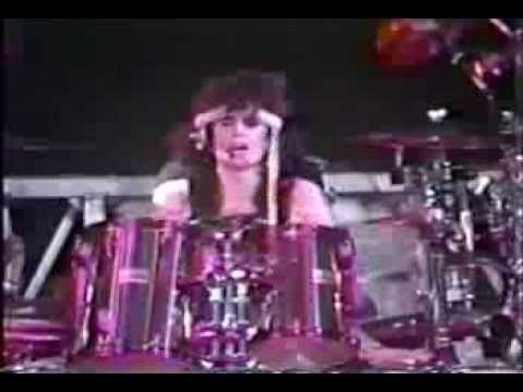 Mtley Cre drummer Tommy Lee plans to leave US if Trump wins ...