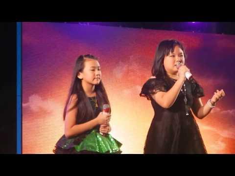 toh xinhui and toh enhui singing