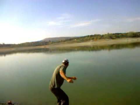 видео рыбалка на живца прикол