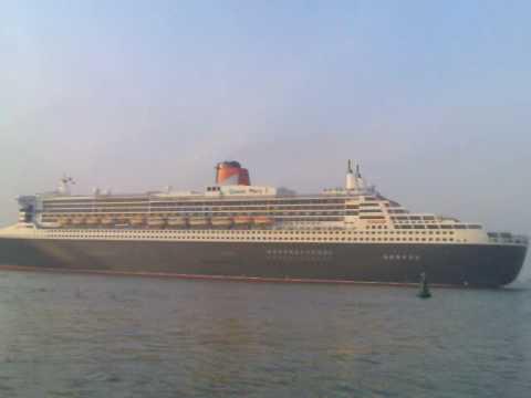 Queen Marry leaving Willington Island