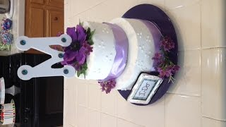 Decorate A Wedding Cake In Minutes
