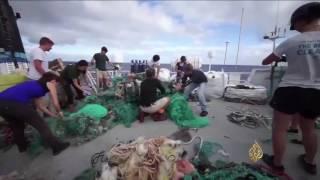 السد العائم.. مشروع هولندي لتنظيف المحيطات من النفايات