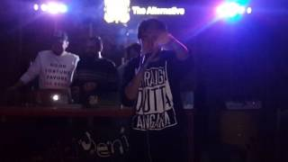 Ezhel - Şehrimin Tadı (EskiYeni Bar Live Performans)