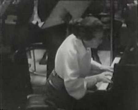 Annie Fischer - Chopin Concerto no. 1 part 3/4