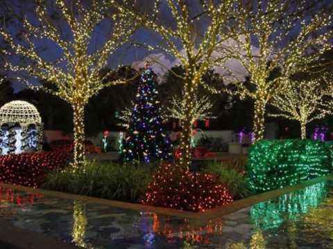 CHRISTMAS LIGHTS IN HUNTINGTON BEACH