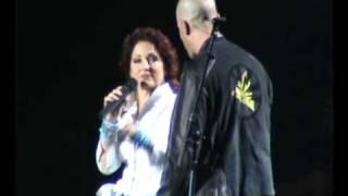 Gloria Estefan con Gianmarco Concierto Lima-Perú 2009 (2/3)