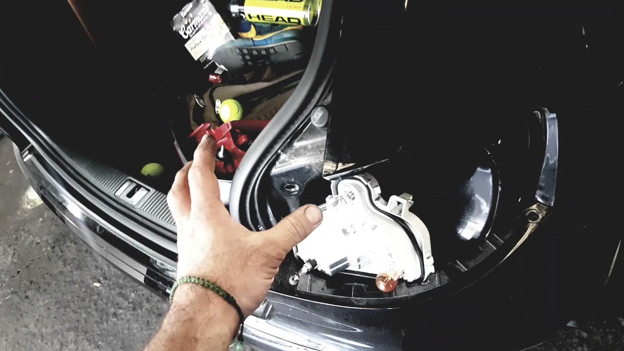audi a3 tail lamp removal  audi a3 2007 brake light globe remove and refit  tail light lamp stuck