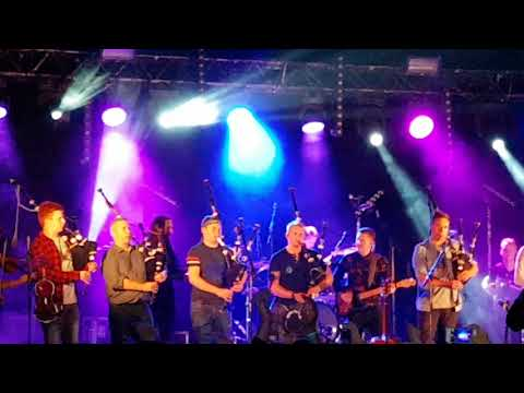 Skerryvore TMF 2018 Ginger Grouse Gigs Feat TMF Pipe Band