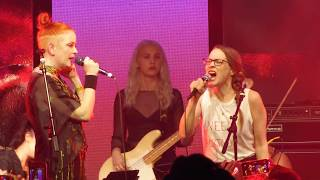 """Shirley Manson and Fiona Apple - """"You Don't Own Me"""""""