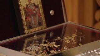 ТАПОЧЕК СВЯТИТЕЛЯ СПИРИДОНА ТРИМИФУНТСКОГО(Сегодня в Сочи привезли тапочки чудотворца Спиридона Тримифунтского. Екатеринодарской и Кубанской епархи..., 2015-02-05T13:46:24.000Z)