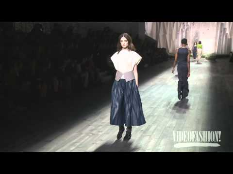 Vionnet Fall 2014 Paris Fashion Week Backstage, interviews & runway | Videofashion