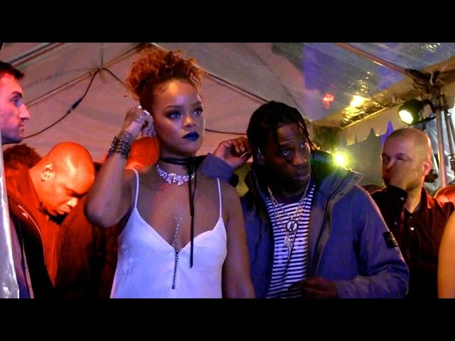587c0336b9c Rihanna News  Singer Gives  Private Concert  To Who   VIDEO    Music    Enstars