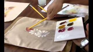 Pintando margaridas em tecido