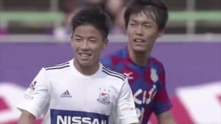 ゴール前へのクロスが甲府のオウンゴールを誘発し、横浜FMの先制点につ...