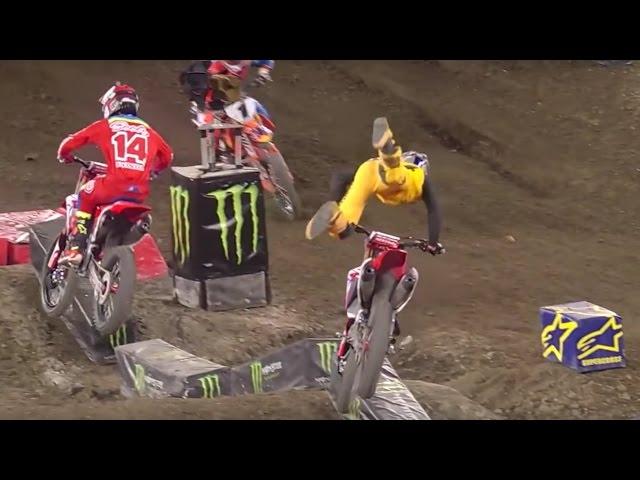 Ken Roczen Crashes Out of Anaheim 2 - Monster Energy Supercross 2017