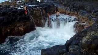 Unconscious swimmers jump into the dangerous sea