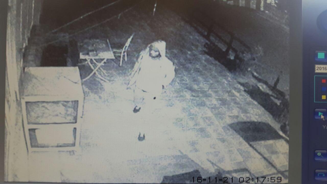Markette Hırsızlık Anı Kameralara Yansıdı
