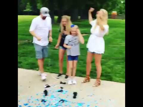 Jason Aldean & Wife Brittany Kerr Reveal Their Baby's Sex In The Most Adorable Way