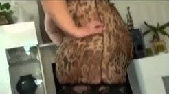 Frauentausch - Psychos Frau verführt Tauschvater in sexy Dessous