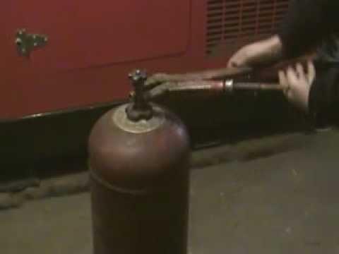 """O butelie de gaz lichefiat plină cu alcool, """"abandonată"""