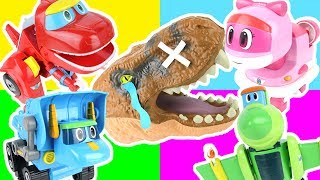 Robot Dinosaur Rescue Go Go Dino transforming car toy!  Giant Dinosaur T-rex Attack Peppa Pig! 고고다이노