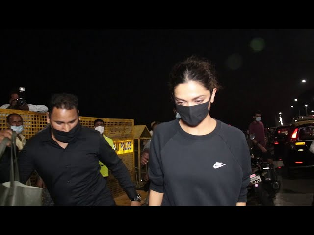 Deepika Padukone Siddhant Chaturvedi And Ananya Pandey Snapped Post Shoot In Gate Of India