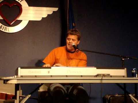 Lonestar's Richie McDonald - Walking In Memphis