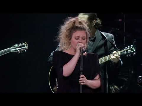 Kelly Clarkson - A Minute + A Glass Of Wine (Live In Detroit, MI)
