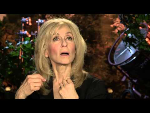 "Transparent: Judith Light ""Shelly Pfefferman"" Behind the Scenes Interview"