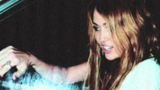 Miley Cyrus - Burned Up The Night - Lyrics