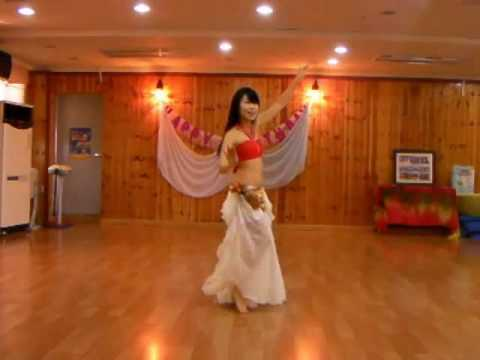 Samia belly dance - HABIBI YA EINI (Virginia's choreography): This is Virginia's choreography. Hope you enjoy it. :)   http://bambinaboa.tumblr.com/  http://twitter.com/bambinaboa  http://facebook.com/SamiaOrientalDance  http://instagram.com/bambinaboa0223