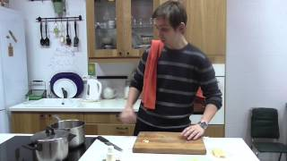 Фрикадельки с перечным соусом и картофельным пюре с пармезаном