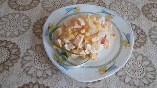 Салат с ананасами, кукурузой и крабовыми палочками