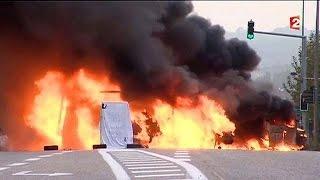 کولی ها جاده ای را این بار در آلپ فرانسه مسدود کردند