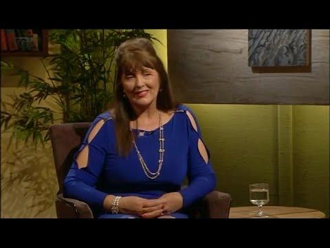 "Nuala Holloway - Interview on ""Comhrá"""
