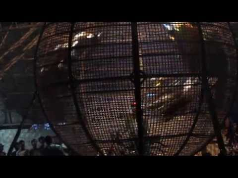 MVI_3725 -- U Maung Maung circus 21.06.2013 -- motorbikes in the wooden ball