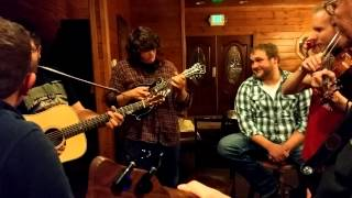 Sunny side of the mountain, Cabin jam