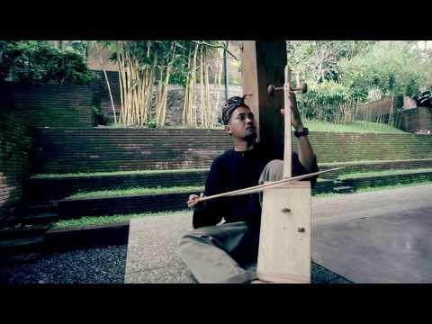 FARKLI KÜLTÜR AYNI MÜZİK ASIA (DIFFERENT CULTURE SAME MUSIC)