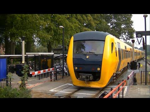 Spoorwegovergang Heino // Dutch railroad crossing
