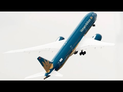 FULL Paris Air Show 2015 in 5 Minutes - Boeing 787, Airbus A380, JF-17 ...