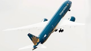FULL Paris Air Show 2015 in 5 Minutes - Boeing 787, Airbus A380, JF-17 ...