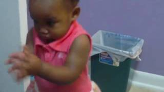 1-year-old-Baby Dancing to Angelique Kidjo