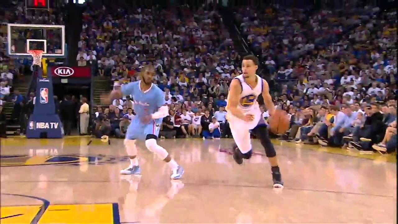 522f2468866 Stephen Curry Fakes out Chris Paul