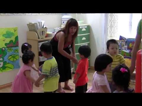 Giờ học tiếng Anh tại trường Mẫu giáo quốc tế Little Einsteins